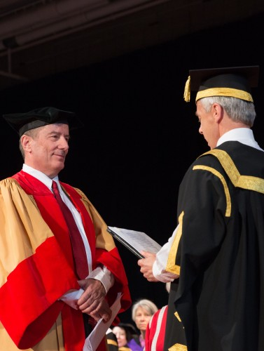 Dr. Geoff Cumming advises grads to never lose their sense of aspiration