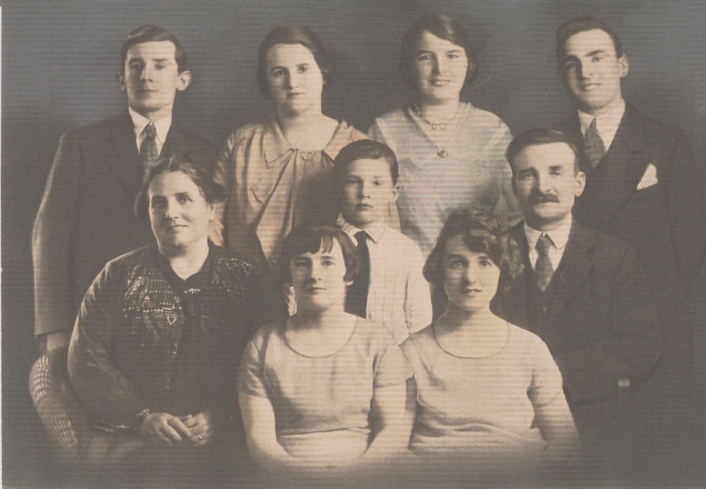 My great grandparents and their Buchan clan who emigrated to Canada in 1923