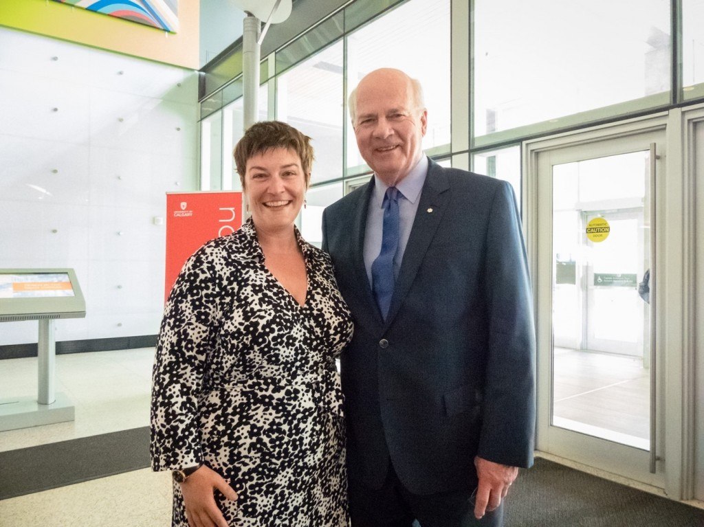 Dr. Peter Mansbridge meets his biggest UCalgary fan – Professor Dawn Johnston